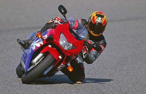 Erik Tanghe driving the Honda CBR 600