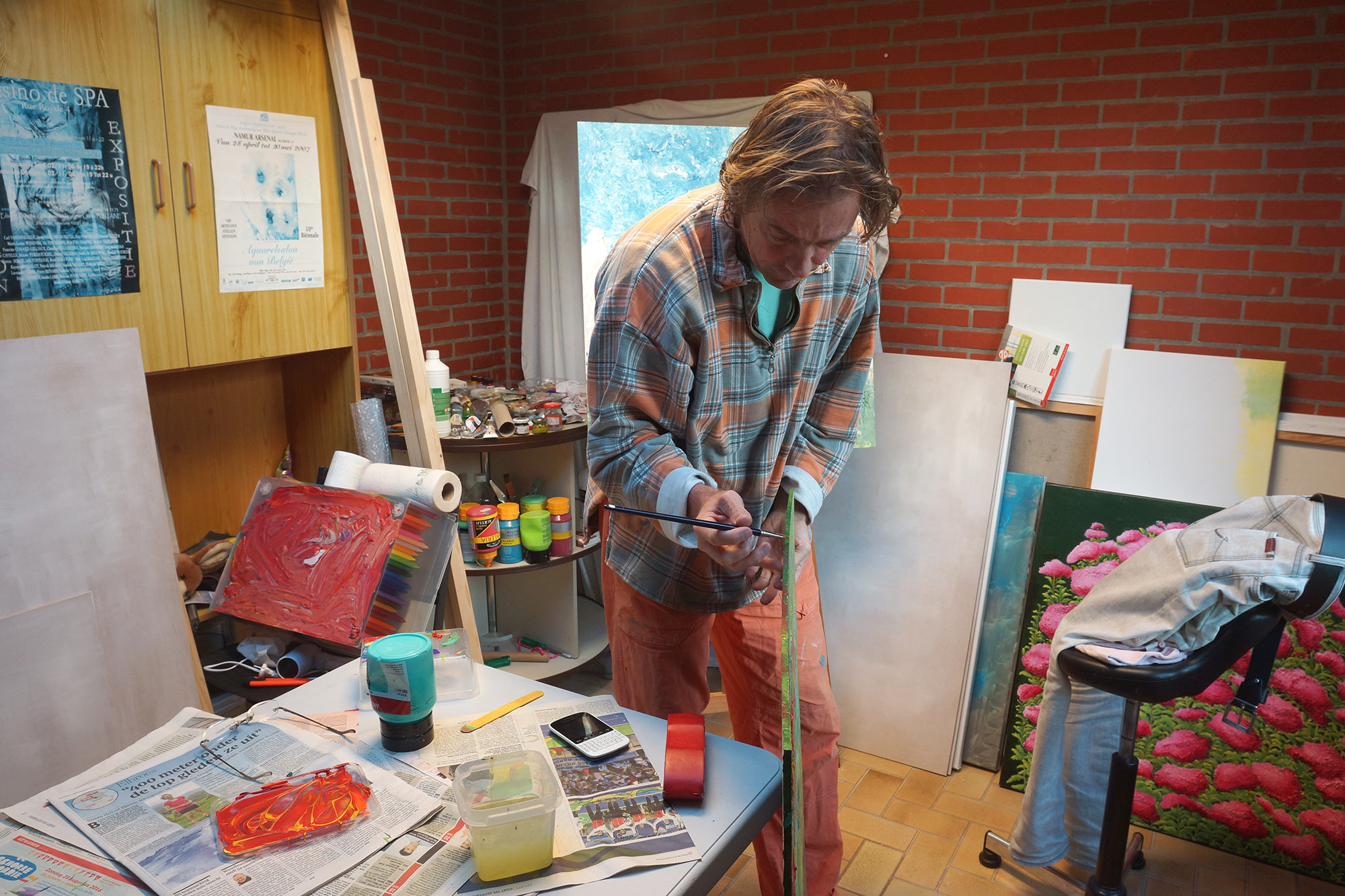 Erik Tanghe at work in his little studio in Kalmthout